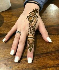Check collection of 41 Mehndi Designs For Eid to Try This Year. Eid ul fitar 2020 includes mehndi designing, girls decorate their hands with mehndi designs. Mehndi Designs Feet, Mehndi Designs For Kids, Finger Henna Designs, Mehndi Designs For Beginners, Modern Mehndi Designs, Mehndi Design Photos, Mehndi Designs For Fingers, Latest Mehndi Designs, Henna Tattoo Designs