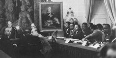 La Conferencia Constitucional en Madrid años 60, para crear una constitución y elecciones generales libres para elegir presidente de guinea, cuando en España no habia nada de eso