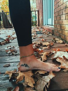 "journeybacktostrong: "" wild-trails: "" Fall and mountain tattoos. "" I want this. """