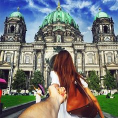 Russian photographer Murad Osmann and his girlfriend Natalia Zakharova love to travel the world together, and they have documented their travels and thei Photos Du, Cool Photos, Amazing Photos, Amazing Places, Couple Photography, Travel Photography, Amazing Photography, Murad Osmann, Travel Around The World