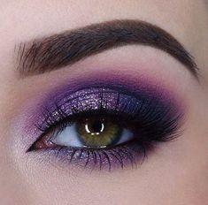 Make Up; Make Up Looks; Make Up Augen; Make Up Prom;Make Up Face; Purple Eye Makeup, Eye Makeup Tips, Smokey Eye Makeup, Makeup Inspo, Eyeshadow Makeup, Makeup Products, Makeup Inspiration, Makeup Brushes, Hair Makeup