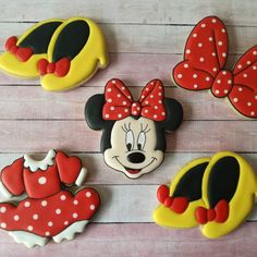 Minnie Mouse Cookies, Disney Cookies, Mickey Y Minnie, Minnie Mouse Cake, Mickey Cakes, Cookies For Kids, Cute Cookies, Cupcake Cookies, Sugar Cookies