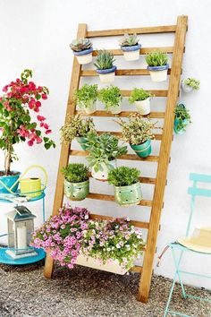 Outstanding 5 Simple DIY Indoor Vertical Garden Design To Fresh Home Ideas As one of the right solutions to create freshness in your home is to create a green room or garden in the house, be it in the living room or family ro. Garden Planters, Herb Garden, Indoor Garden, Home And Garden, Vegetable Garden, Garden Modern, Jardim Vertical Diy, Vertical Garden Diy, Vertical Gardens