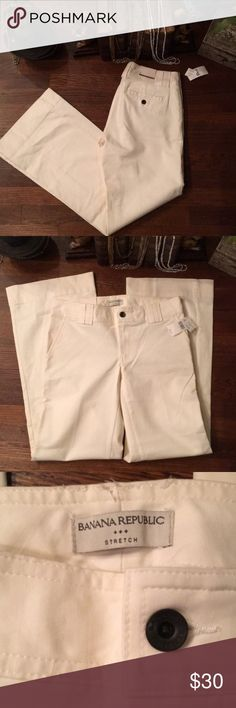 NWT Banana Republic pants 👖 NWT Banana Republic Pants 👖 97% Cotton 3% Spandex Banana Republic Pants Boot Cut & Flare
