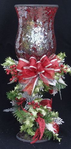 .I have a set of these with no decoration...what a perfect idea to use them this year.