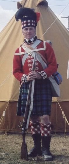 This  uniform represents the regiment at Waterloo in 1815. The regiment took its name from the Clan Gordon and recruited principally from Aberdeen and the North-East of Scotland.