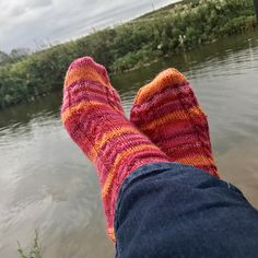 Ravelry: Buttonflies' Easy Cable Socks