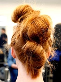 3 Sweat-Friendly Workout Hairstyles You Haven't Tried Yet 3 sweat-friendly workout hairstyles - bubb Cool Short Hairstyles, Workout Hairstyles, Twist Hairstyles, Summer Hairstyles, Pretty Hairstyles, Med Short Hair Styles, Medium Hair Styles, Braids For Thin Hair, Bridal Hair Buns