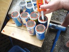 How to make a solar heater with cans bioguia Diy Candle Heater, Eco Energie, Solaire Diy, Installation Solaire, Emergency Preparedness Kit, Solar Heater, Diy Candles, Solar Energy, Solar Panels