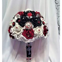 Victorian Gothic wedding Flower Bouquet-Bridal Wedding... ❤ liked on Polyvore featuring home, home decor, rose home decor, black home decor, skull figurines, red rose figurines and red home decor