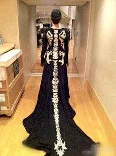 Costume idea or Halloween ball dress - dragon skeleton dress Skeleton Dress, Dragon Skeleton, Skull Dress, Mermaid Skeleton, Skeleton Costumes, Dinosaur Skeleton, Ball Dresses, Formal Dresses, Weird Dresses
