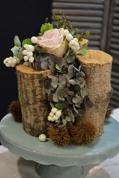 Little tree trunks with rose arrangement - My table Autumn - Les  tables décoratives de Stef