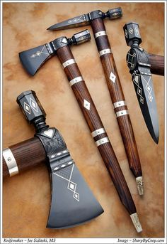 Exquisitely hand-crafted tomahawk and war hammer. Not sure if either doubles as a peace pipe for smoking weed though. Swords And Daggers, Knives And Swords, Armas Ninja, Beil, Medieval Weapons, Best Pocket Knife, Fantasy Weapons, Revolver, Katana