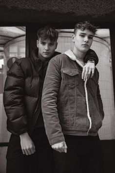 Male Model twin models Jacob & Thomas Williams at Next Models London in Barbican, London. Twin Models, Male Models Poses, Female Models, Greek Male Models, Portrait Photography Men, People Photography, Twin Guys, Partner, Wattpad
