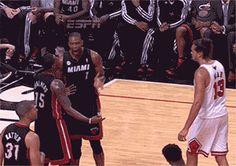 Joakim Noah trolled the Miami Heat. | The 89 Funniest Sports GIFs Of 2013 Sports Fails, Sports Memes, Funny Sports, Funny Basketball Pictures, Baseball Pictures, Funny Pictures, Super Funny Quotes, Joakim Noah, Nba Memes