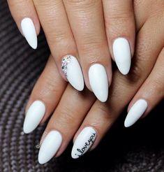 almond-nail-art-27
