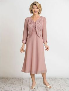 Pink Embroidery Chiffon Outfit Mid-Calf Mother of the bride dresses with Jacket Mother Of Bride Outfits, Mother Of Groom Dresses, Mothers Dresses, Mother Of The Bride, Bride Dresses, Grandma Dress, Mom Dress, Clothes For Women Over 50, Custom Dresses