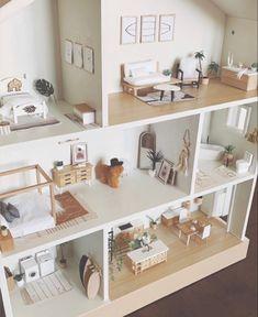 Tiny Furniture, Barbie Furniture, Classic Furniture, Dollhouse Furniture, Modern Dollhouse, Diy Dollhouse, Doll House Plans, Barbie Doll House, Little Houses