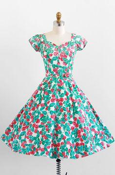 1950s berry print party #dress #floral #fashion #1950s #partydress #vintage #frock #retro #sundress #floralprint #petticoat #romantic #feminine