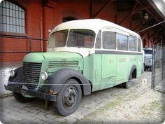 Skoda otobüs Small Motorhomes, Van Camping, Busse, Camper Van, Tractor, Cars And Motorcycles, Vintage Posters, Transportation, Classic Cars