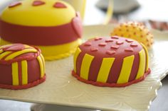 Chá de Cozinha  Amarelo e vermelho Design: www.conka.com.br