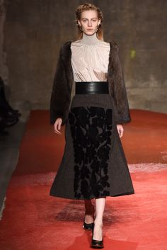 Marni Fall 2015 Ready-to-Wear Collection Photos - Vogue