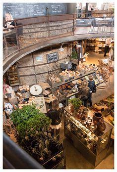 vintage modern twist cafe market - mixed materials, bricks & steel - industrial