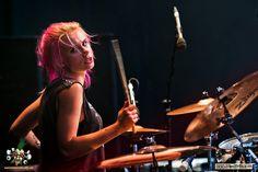 Girl Drummer, Female Drummer, Rocker Girl, Rocker Chic, Drums Girl, Taylor Momsen, Girl Bands, Aesthetic Girl, Girl Power