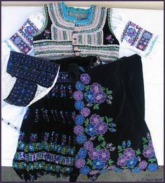 Folk Costume, Costumes, Bohemian Blouses, Boho Shorts, Vintage Fashion, Embroidery, Pattern, Faces, Outfits