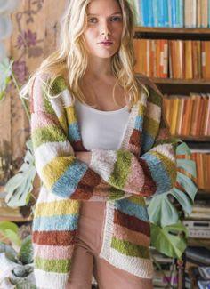 Knit striped cardigan in alpaca - free pattern # free pattern Knit striped cardigan . - Lilly is Love Knitting Patterns Free, Knit Patterns, Diy Knitting Cardigan, Crochet Woman, Knit Crochet, Crochet Prayer Shawls, Pullover Design, String Bag, Knitwear Fashion