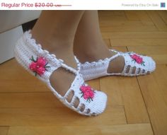 ON SALE Crochet Slippers... White Dark Pink and ♥ by Vestberet, $16.00