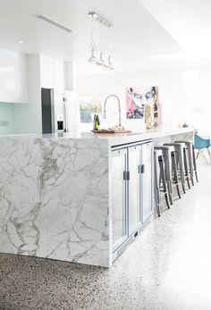 This contemporary kitchen by luxury kitchen designer Kitchen Elegance based in Sydney. Luxury Design, Luxury Kitchens, Kitchen Design, Contemporary Classic, Modern Kitchen, New Kitchen Designs, Stylish Kitchen, Kitchen, Contemporary
