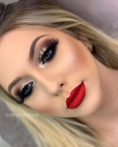 eye makeup with red lipstick glamour * eye makeup with red lipstick ; eye makeup with red lipstick natural ; eye makeup with red lipstick tutorial ; eye makeup with red lipstick glamour Red Lips Makeup Look, Red Lipstick Makeup, Glam Makeup Look, Makeup For Green Eyes, Cute Makeup, Gorgeous Makeup, Skin Makeup, Eyeshadow Makeup, Makeup For Black Dress