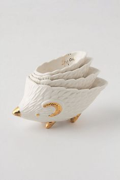 hedgehog measuring cups via anthropologie I think I'm gonna start collecting cute measuring cups Cheap Christmas Gifts, Organizer, Measuring Cups, Kitchen Accessories, Kitsch, Home Kitchens, Just In Case, Gifts For Women, Cool Stuff