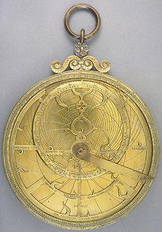 astrolabe - Rendez vos souvenirs durables avec www.remix-numerisation.fr