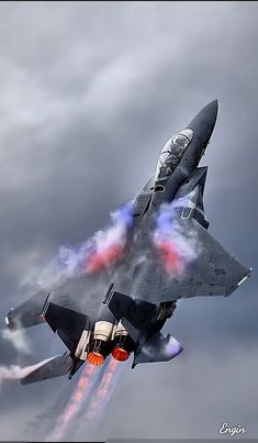 Fighter jet manufacturers often have teams of photographers and videographers to record images of the planes it produces. Jet Fighter Pilot, Air Fighter, Fighter Jets, Airplane Fighter, Fighter Aircraft, Military Jets, Military Aircraft, Tomcat F14, Jet Engine