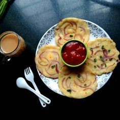 Semolina Onion Uttapam, How to make Semolina Onion Uttapam