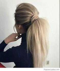 Amazing messy blonde ponytail