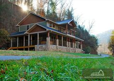 RIVER MEMORIES - This 3 bedroom abode is right on the river! Enjoy the sounds of the water rushing by while relaxing on the spacious deck or while soaking your cares away in your personal bubbling hot tub! #petfriendly