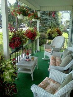 30 cozy front porch design and decor ideas for you asap 33 « Home Decoration Porch And Balcony, Home Porch, House With Porch, Cottage Porch, Outdoor Balcony, Balcony Garden, Veranda Design, Terrasse Design, Outdoor Rooms