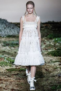 Alexander McQueen Fall 2014 Ready-to-Wear - Collection - Gallery - Look 11 - Style.com