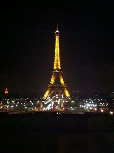 Selbstaufnahme vom Eiffelturm ❤️