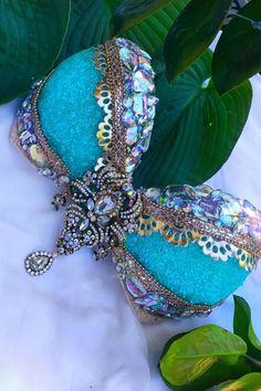 Blue & Puple Mermaid Crystal / rhinestone Rave Bra NEW Rave Festival, Festival Looks, Rhinestone Bra, Hippie Costume, Dance Costume, Geek Jewelry, Gothic Jewelry, Jewelry Necklaces, Glitter Face
