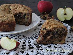 Torta di mele con noci e cioccolato