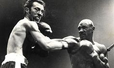 Alan Minter receives a right to the jaw from Marvin Hagler during their world middleweight fight in 1980. Photograph: Popperfoto/UPI.