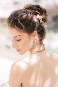 WEDDING IN TUSCANY #updos #knotbun #highbun #bridalupdos #weddinghairstyles #classicupdo #weddingupdos #bridebookhair #bridalbun #bridalhairstyling #updohairstyles #lovehairstyles #hairstyleideas #tuscanyhairstylist #bridalbeauty #hochzeitsmakeup #luxuryevents #luxuryweddings #creativelywed #getmarriedtuscany #destinationweddingtuscany #tuscanywedding #weddingintuscany #weddingmakeupideas #bridalmakeup #bridemakeup #weddingmakeup #naturalmakeup #nomakeup #glowymakeup #softmakeup