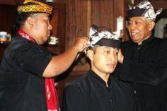 AKBP Budi Mulyanto Dinobatkan Warga Kehormatan Suku Using Tribratanews Polda Jatim