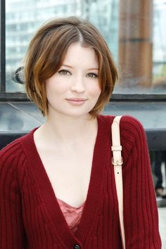 Emily Browning short hair