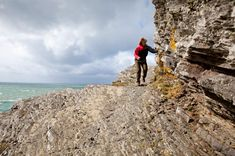 Wandelen Normandië | Wandelen Frankrijk | oppad.nl Traveling, Hiking, Tours, Holidays, Outdoor, Santiago, Brittany, Voyage, Viajes