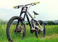 @oledh2 's Ghost DH 9000 Costum ✌️ Check out his page ! . #ghost#downhill#rockshox#fox#AMS#sick#downhillbike#bike#follow#mtb